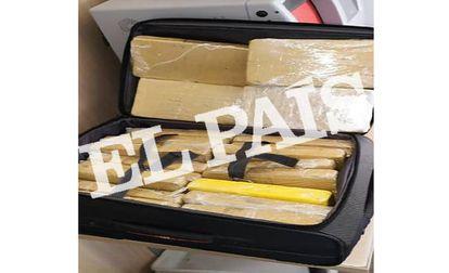 Maleta com a cocaína encontrada com o militar da comitiva de Bolsonaro.