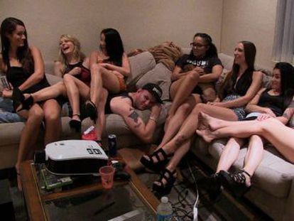 Hot girls wanted  turned on , produzido pela atriz Rashida Jones, mostra a perspectiva real de três garotas jovens que tentam entrar na indústria da pornografia