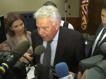 Felipe González faz declarações em Washington.
