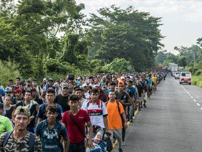 A caravana de imigrantes, a caminho de Tapachula.