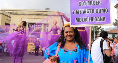 Marcha das mulheres em Bogotá.