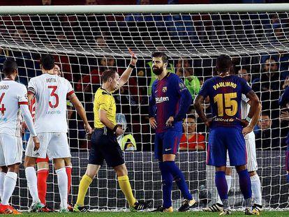 Apesar da expulsão de Piqué, Barcelona foi superior na partida.