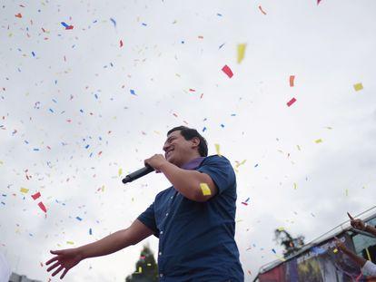 O candidato à presidência do Equador Andrés Arauz, durante um encontro com seguidores em 4 de fevereiro.