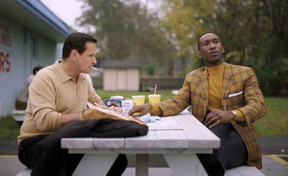 Viggo Mortensen (à esquerda) e Mahershala Ali em cena de 'Green Book: O Guia'