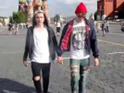 Um vídeo mostra a homofobia sofrida pelos homossexuais na Rússia.