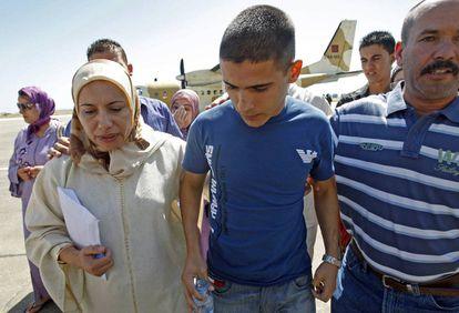 Hafida, mãe de um combatente do EI falecido na Síria, pede para que devolvam seus netos que estão em um campo de prisioneiros para jihadistas