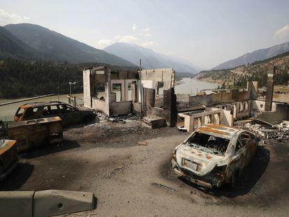 Destruição em Lytton, na Colúmbia Britânica, Canadá, após a onda de calor e os incêndios que atingiram esse povoado de 200 habitantes no final de junho.