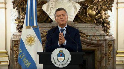 O presidente da Argentina, Mauricio Macri, anuncia o ajuste econômico