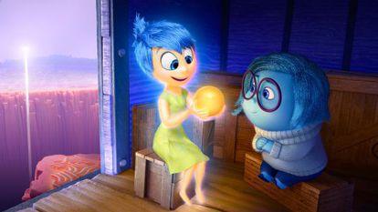 Tristeza (de pele azul, à dir.), personagem de 'Divertida Mente'.