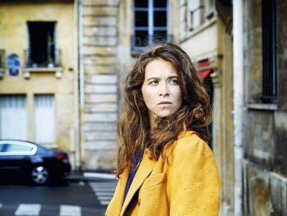 A escritora francesa Emma Becker, em Paris.