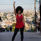 Tamires Sampaio, mestra em Direito Político e Econômico pela Universidade Mackenzie, feminista negra, é candidata a vereadora de São Paulo pelo PT. Moradora da periferia de São Paulo, foi a primeira mulher negra a presidir o Centro Acadêmico da Faculdade de Direito do Mackenzie.
