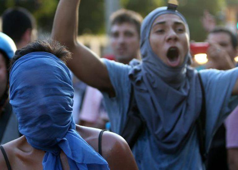Manifestantes protestam no Rio, na segunda-feira, dia 10