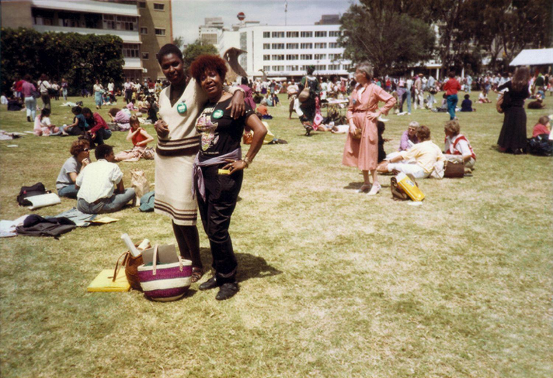 Benedita da Silva, então vereadora do Rio, e Lelia Gonzalez em viagem a Nairobi (Quênia), em 1985.
