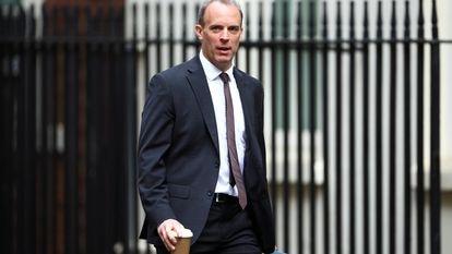 Dominic Raab, ministro das Relações Exteriores do Reino Unido, chega a Downing Street, em 14 de julho de 2020.
