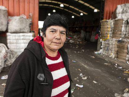 Nora Rodríguez, na cooperativa de reciclagem de resíduos Bella Flor.