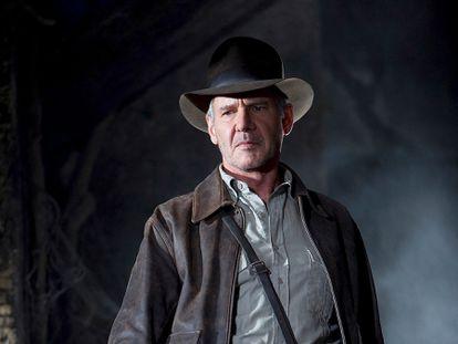 Harrison Ford em 'Indiana Jones e o Reino da Caveira de Cristal', o filme que demonstrou que em 2008 já éramos tão nostálgicos dos anos oitenta como somos agora. O ator tinha 65 anos.