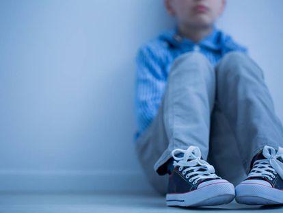 """Mãe de menino com Asperger expulso de sala: """"Ele tenta, gosta de ter amigos"""""""