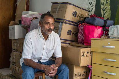 Genésio de Sousa mora temporariamente no apartamento de uma amiga
