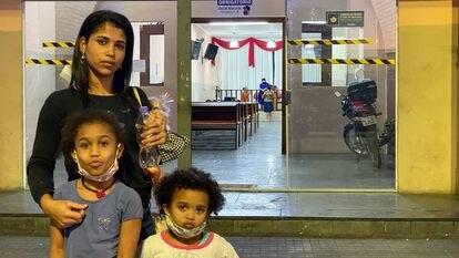 Kaiala dos Santos, de 25 anos, com duas filhas. Evangélica, ela se diz decepcionada com a gestão de Bolsonaro na condução da pandemia.
