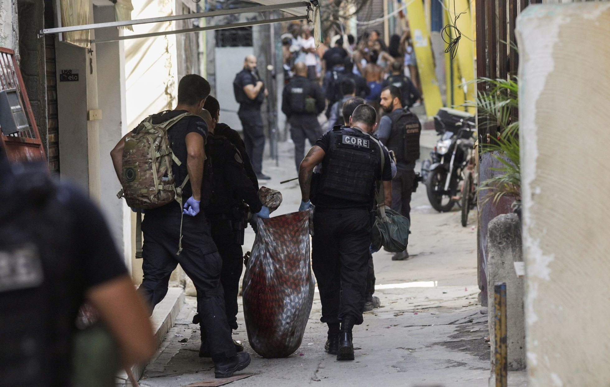 Operação policial mata 25 pessoas no Jacarezinho, em segunda maior chacina da história do Rio   Atualidade   EL PAÍS Brasil