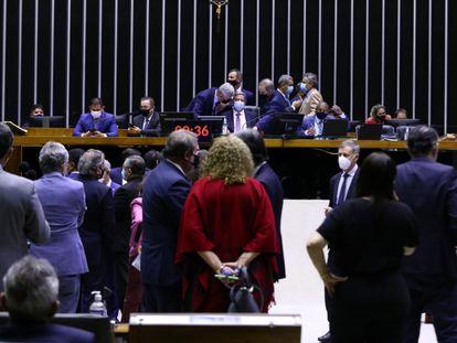 Deputados na sessão da Câmara desta quarta-feira.