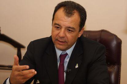 O governador de Rio Sergio Cabral.