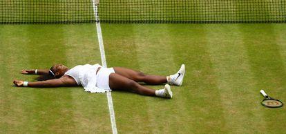 Serena comemora a vitória contra Kerber.
