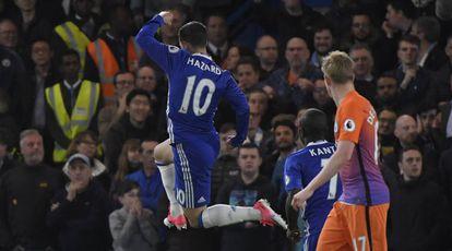 Hazard marcou duas vezes contra o Manchester City.