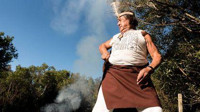 """Juan Carlos """"Pocho"""" também é descendente de charruas. Nasceu no departamento de Rivera. Sua bisavó era charrua. Foi aprisionada em Salsipuedes e entregue a uma fazenda do departamento de Durazno"""
