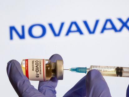 Pesquisadores de Oxford querem misturar sua vacina, a da AstraZeneca, com todas as demais, inclusive a Novavax.