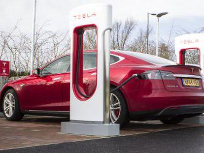 O consumo médio anual deste material, fundamental para as baterias, crescerá um 25% até 2025 no setor do transporte