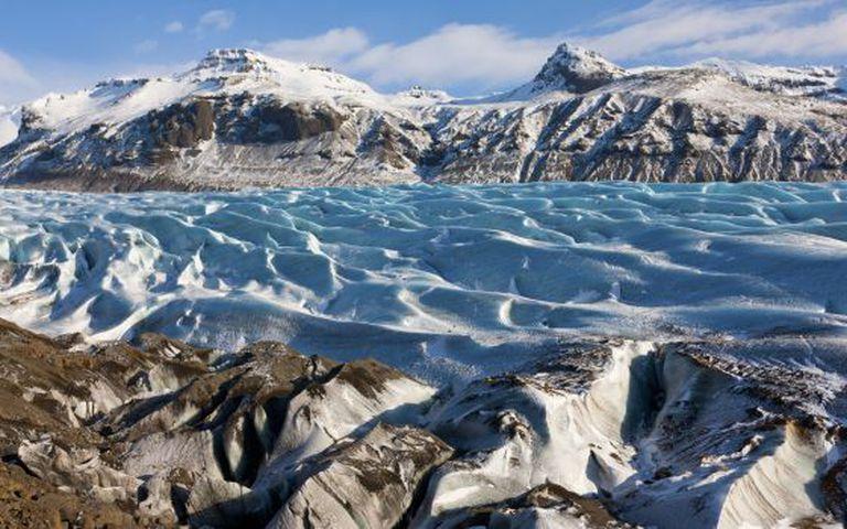 A região da geleira Svinafellsjokull, no parque nacional de Skaftafell, na Islândia, faz as vezes das terras que se encontram ao norte do Muro em 'Game of Thrones'.