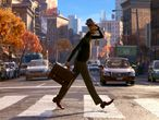 """ACOMPAÑA CRÓNICA: PIXAR SOUL***USA6389. LOS ÁNGELES (ESTADOS UNIDOS), 23/12/2020.- Fotograma cedido hoy por Disney Pixar donde aparece el personaje Joe Gardner, durante una escena de la película de animación """"Soul"""" que se iba a presentar en la gran pantalla el 20 de noviembre (después de haber retrasado su estreno original del 19 de junio), pero finalmente se lanzará en la plataforma Disney+ el 25 de diciembre. El alma, la parte más profunda del ser humano, es la protagonista de """"Soul"""", la nueva película de los estudios Pixar que se adentrará en el porqué de nuestra personalidad de una manera muy similar a la que """"Inside Out"""" (2015) exploró nuestras emociones. EFE/Disney/Pixar /SOLO USO EDITORIAL /NO VENTAS"""