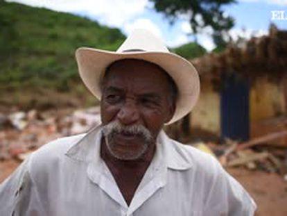 """""""Tenho medo dos barrancos"""", diz vítima de enchente em Minas Gerais"""