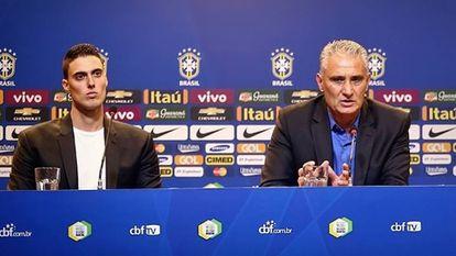 Matheus Bachi e Tite, em entrevista coletiva na CBF.