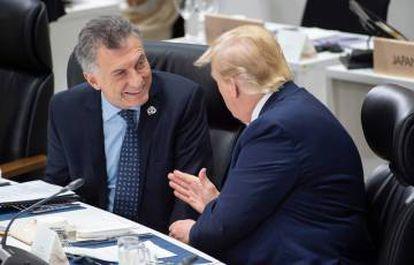 Os presidentes Mauricio Macri e Donald Trump conversam durante a cúpula do G20.
