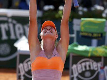 Sharapova celebra a vitória.