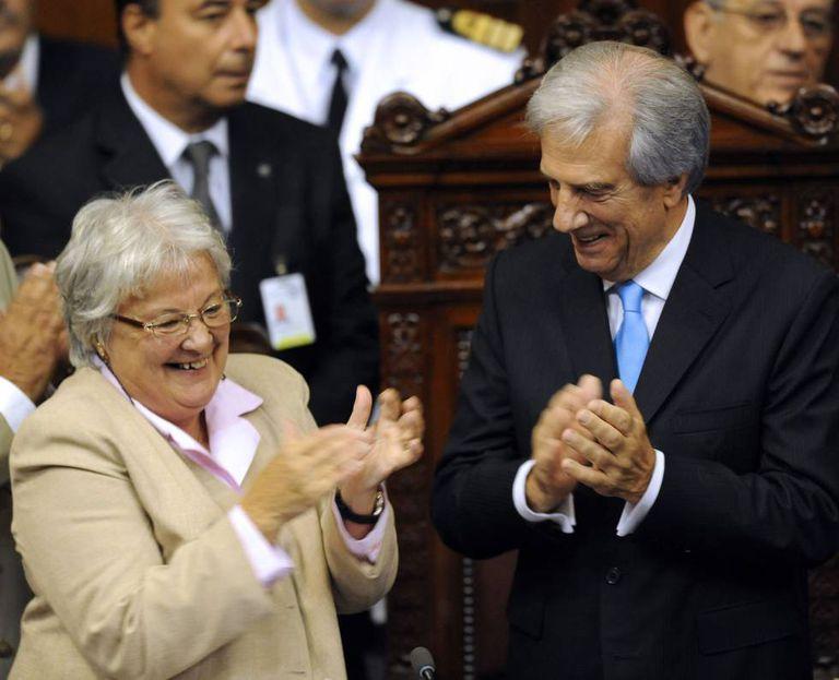 Luzia Topolansky, junto ao presidente uruguaio, Tabaré Vázquez, em uma imagem de 2015.