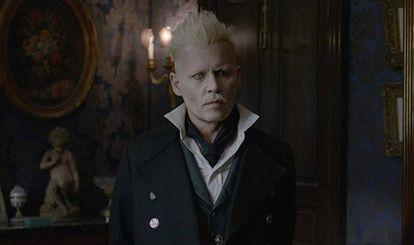 Johnny Depp como Gellert Grindelwald no longa de David Yates.
