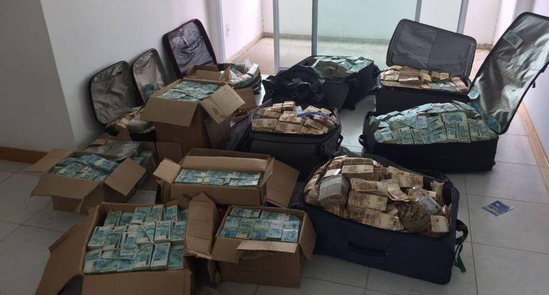 Dinheiro apreendido pela PF.