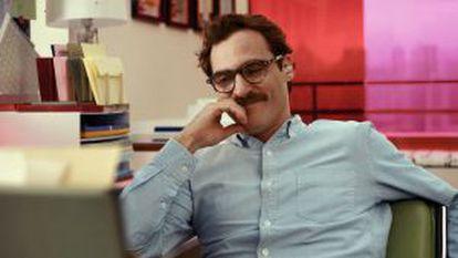 O ator Joaquin Phoenix, em Ela, o novo filme de Spike Jones.