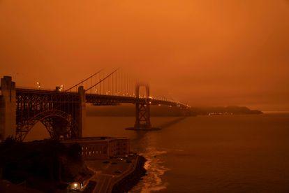 O céu vermelho de San Francisco, na quarta.