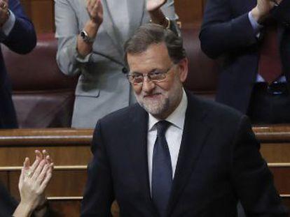 Político do PP teve 170 votos a favor e sai reeleito presidente do Governo com a abstenção de 68 dos 85 socialistas