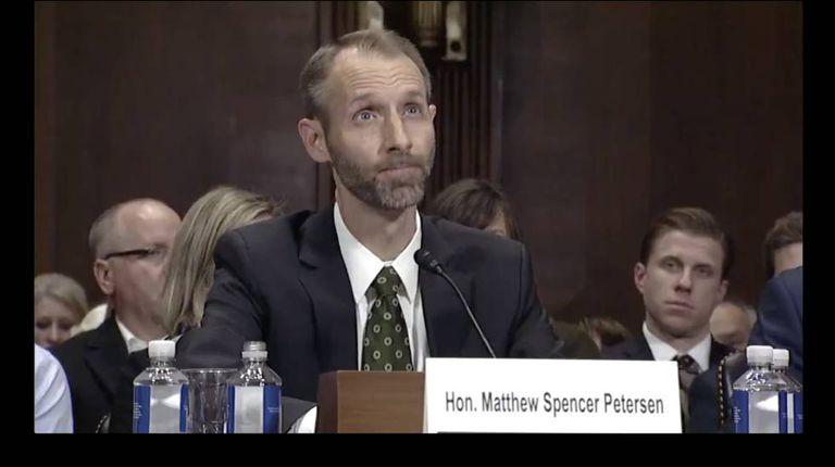 Matthew Spencer Petersen, durante a arguição