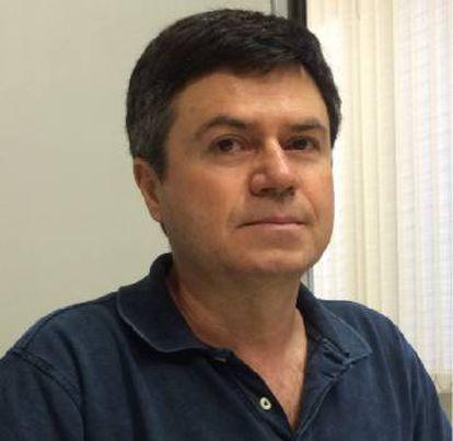 O professor Ricardo Mariano.