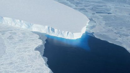 Glaciar Thwaites em Antártida ocidental.