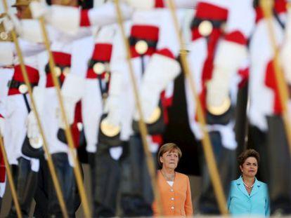 Merkel e Rousseff no Palácio do Planalto.