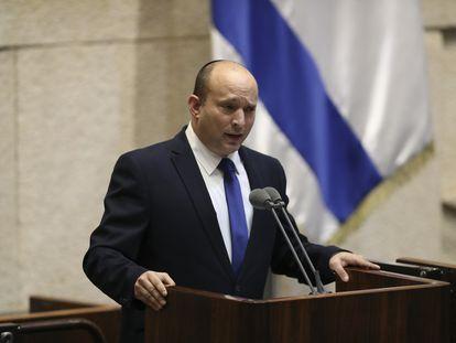 Naftali Bennett discursa no Knesset (Parlamento), na sessão deste domingo, em Jerusalém.