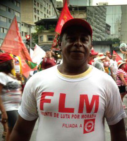 O militante da Frente de Luta por Moradias, Renato Lessa Alves.