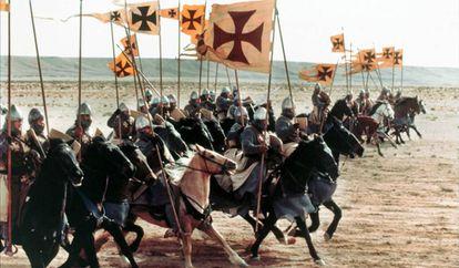 Carga da cavalaria, num momento de 'Cruzada'.